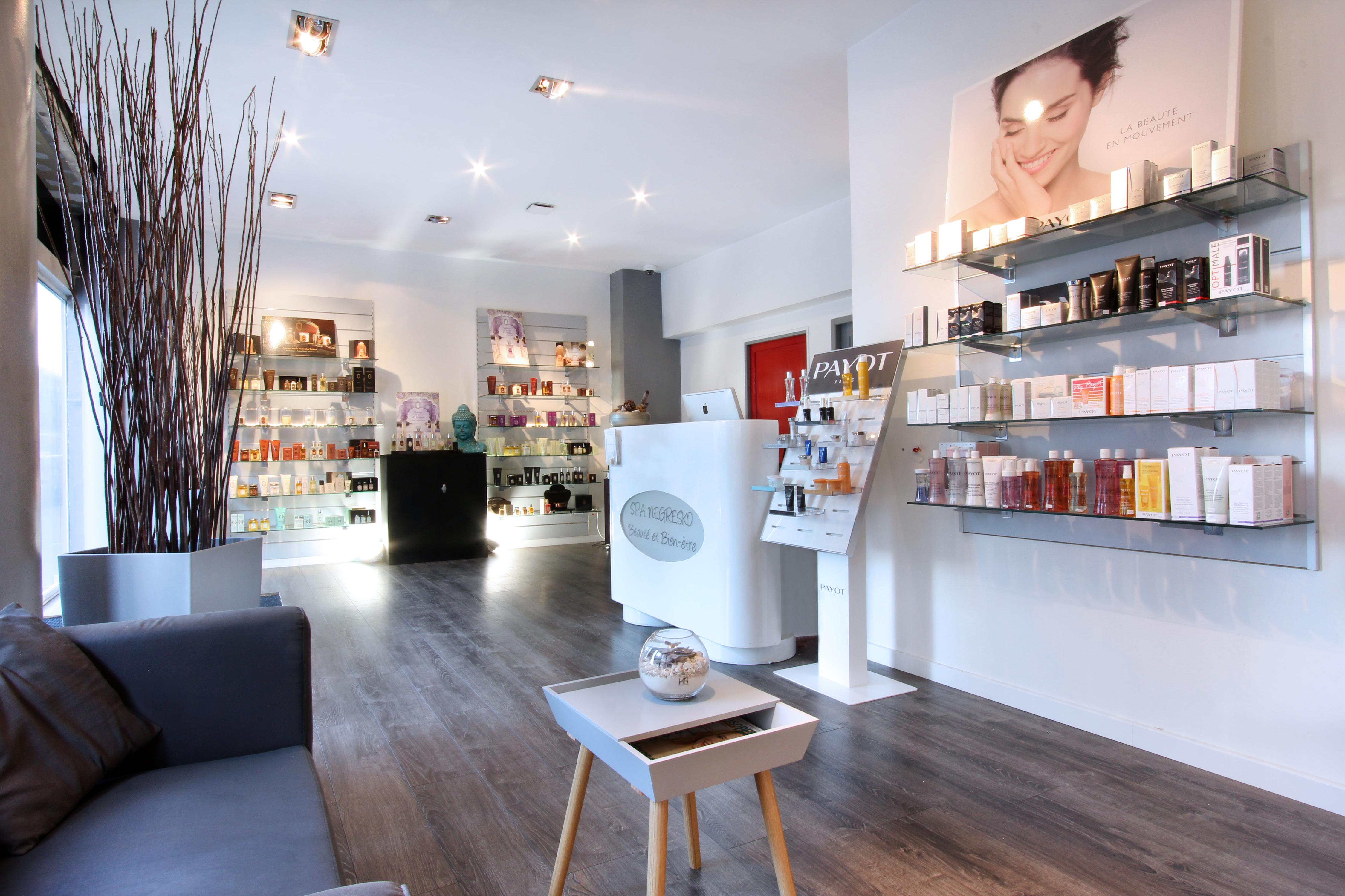 L espace accueil massages marseille 08 spa marseille for Salon esthetique marseille